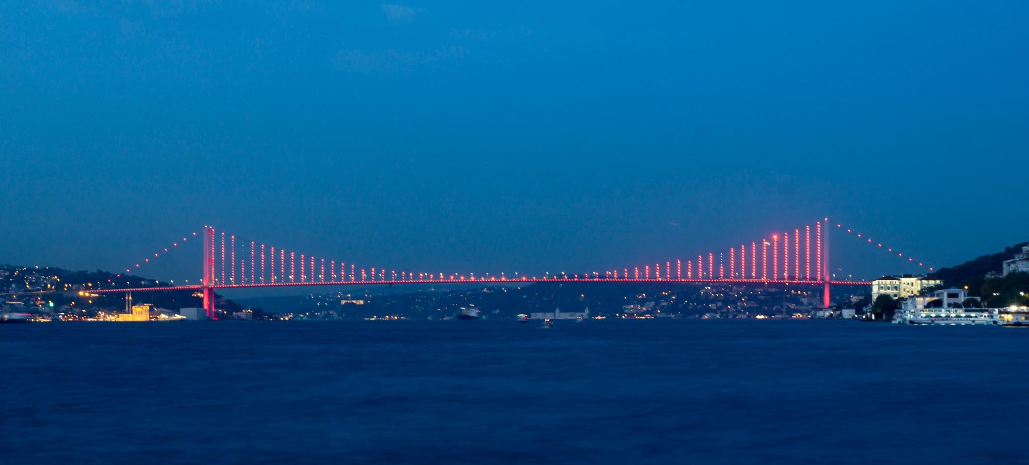Bosphorus Bridge by lizardofthewisard