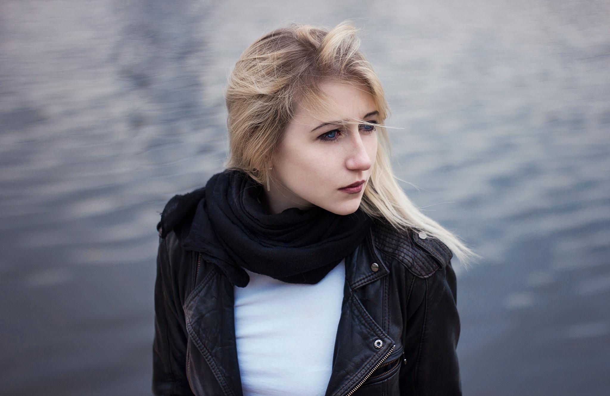 Photo in Portrait #girl #portrait #water