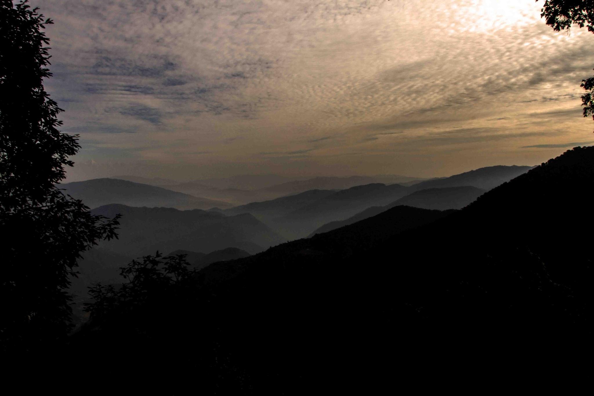 SUNRISE!!! over the Kumaon Range.. by guran60