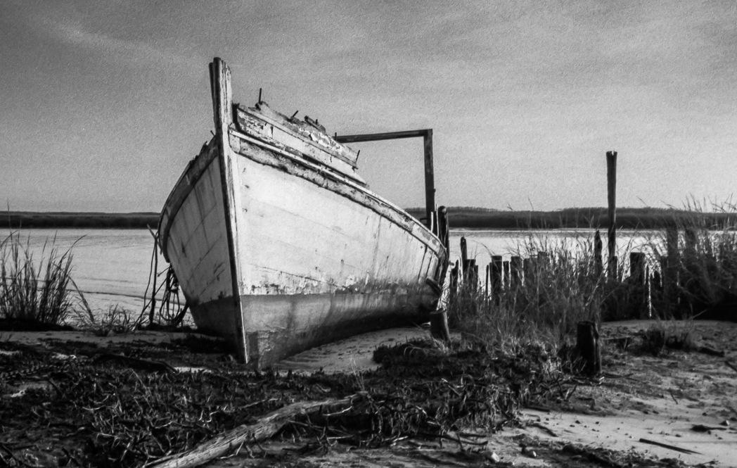 Old Boat by Dan Dabson