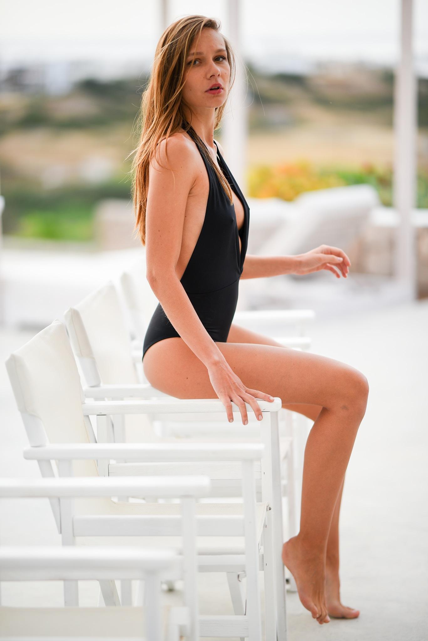 Which chair by Alplata