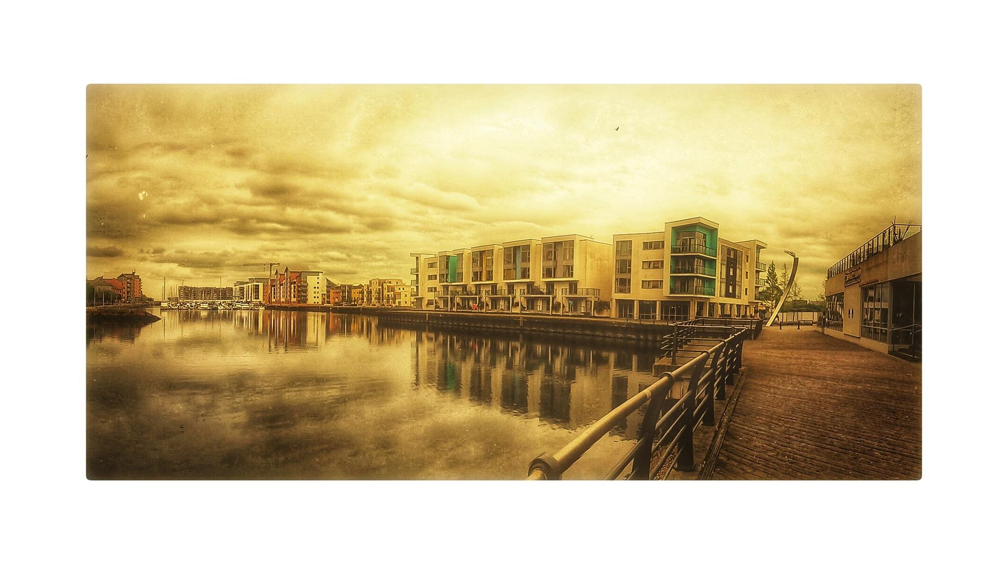 Portishead Marina by Wayil Rahmatalla