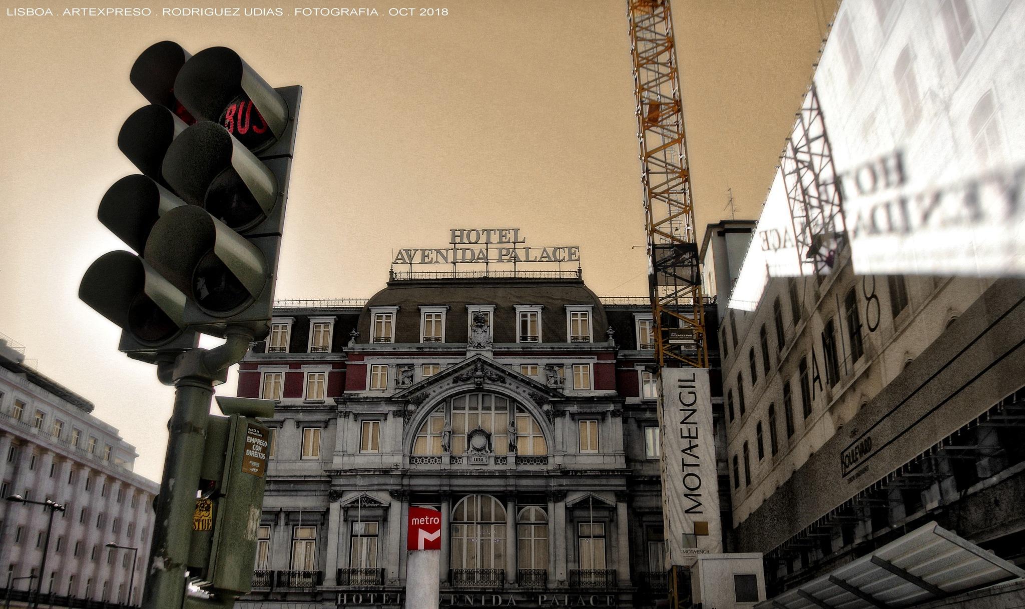 LISBOA . MARAVILHOSA / ARTEXPRESO 2018 by  Artexpreso