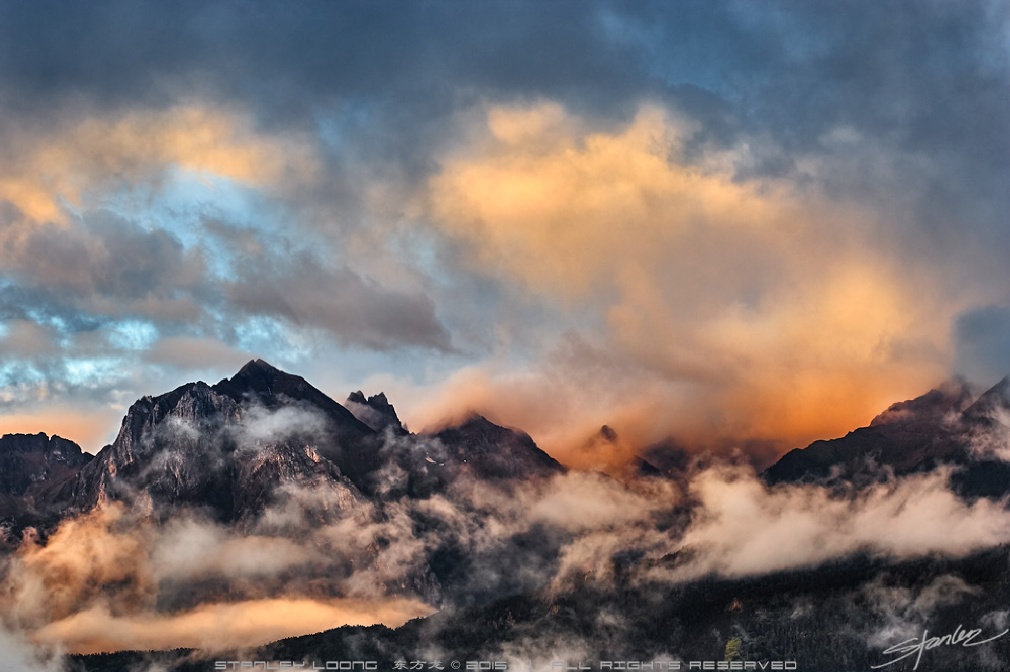 Mountains' Glow by Stanley Loong