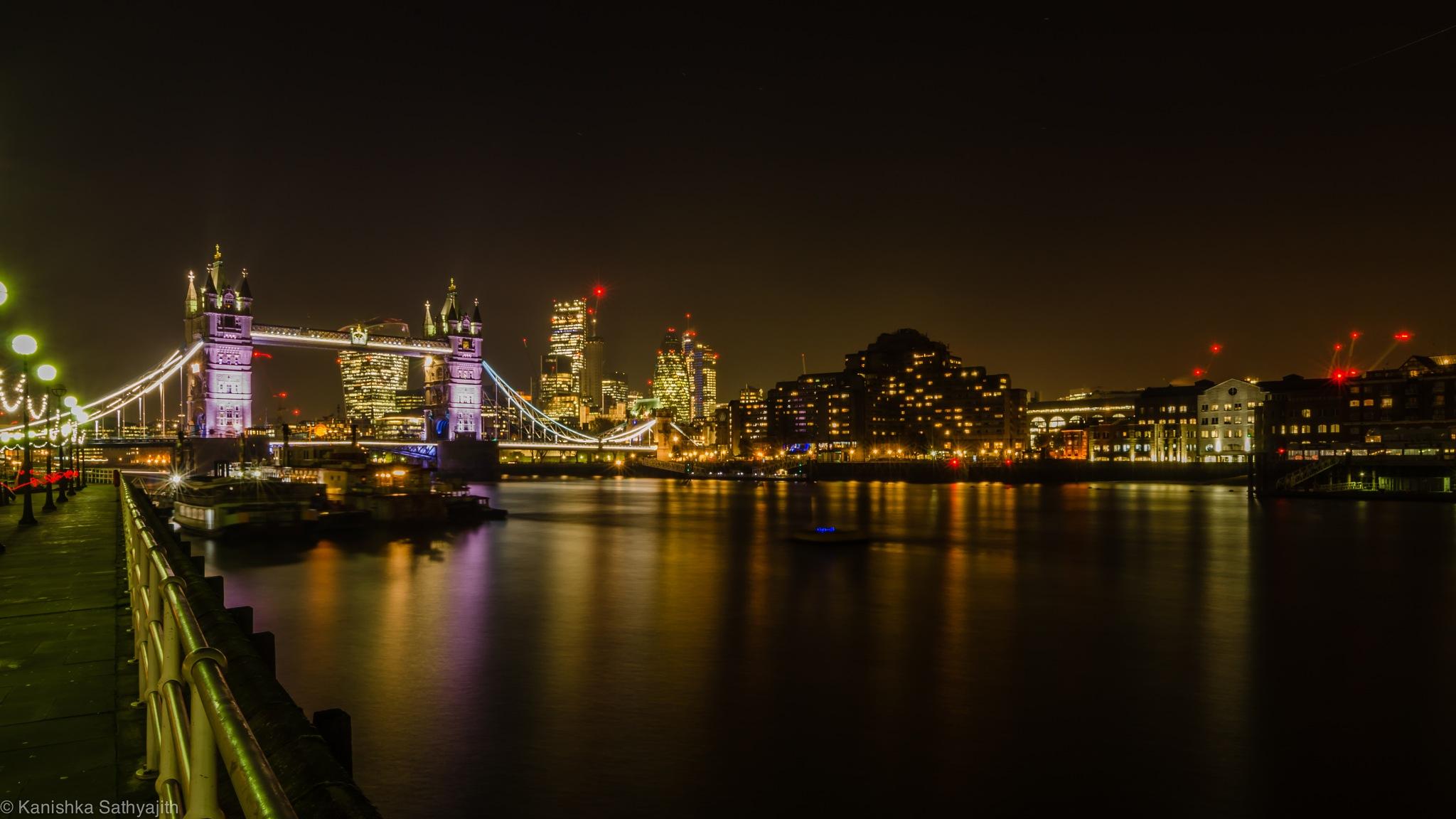 City of London  by Kanishka Sathyajith
