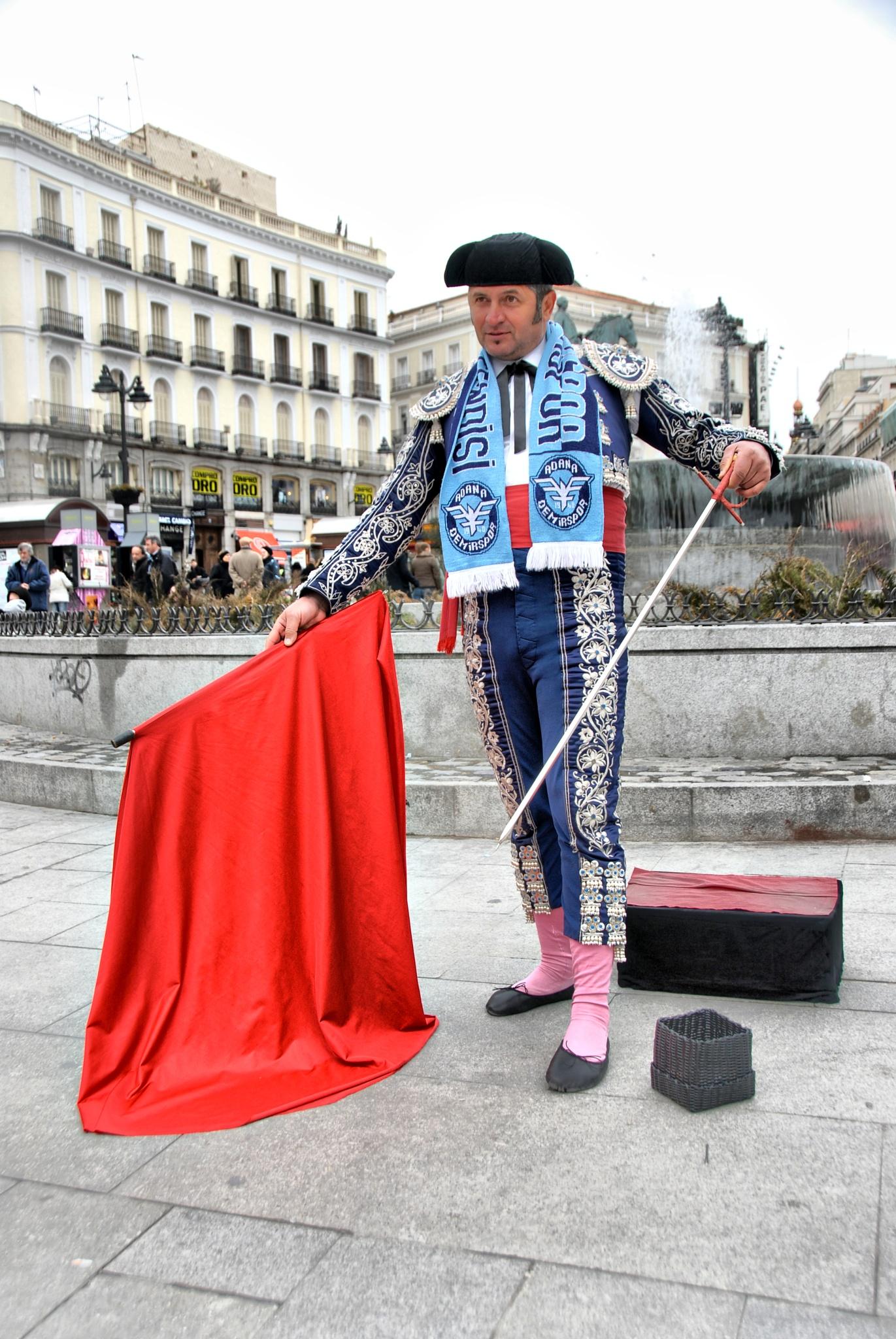 Street Entertainer by kebabman