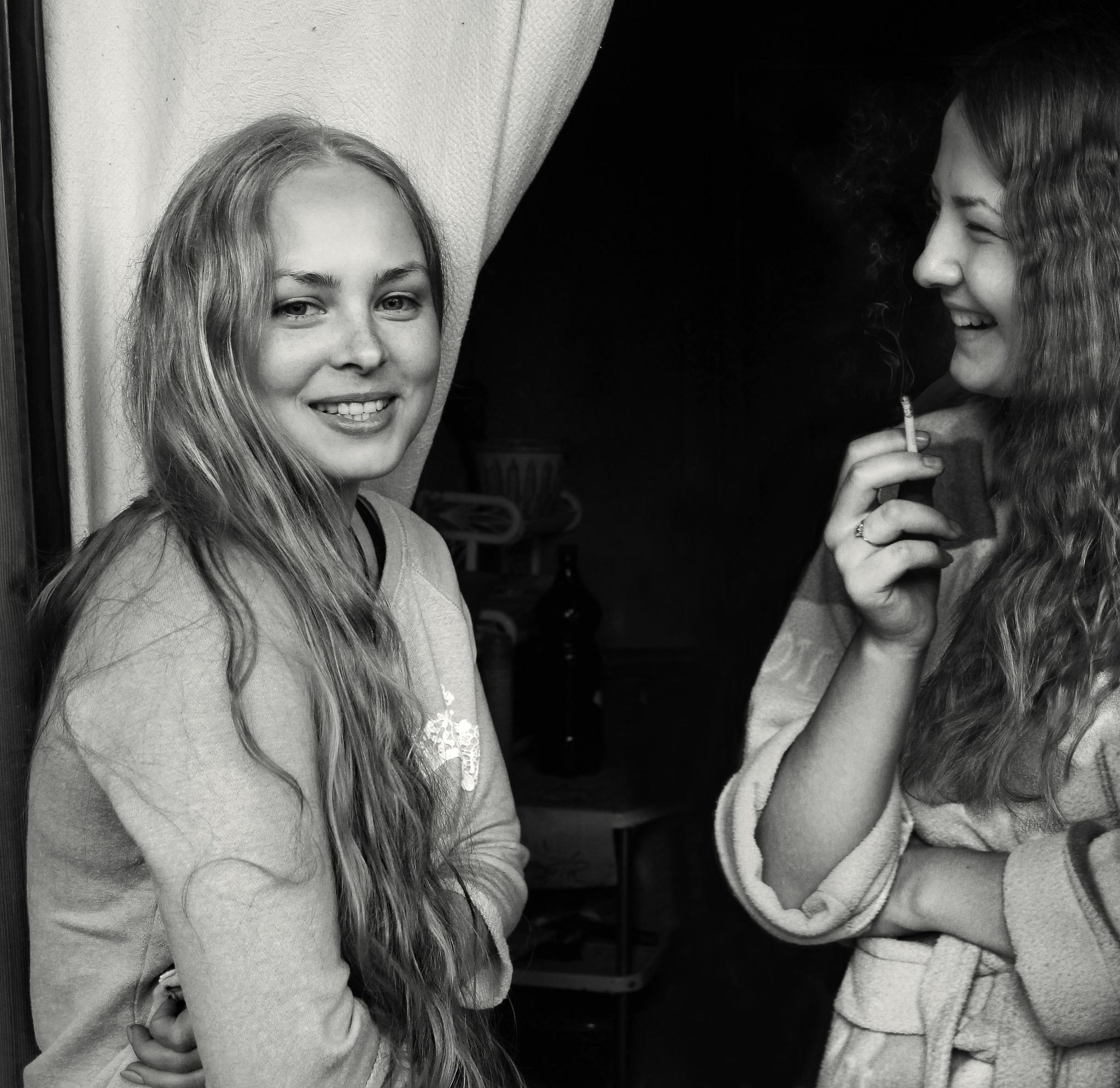 Masha and Lisa by Сергей Юрьев