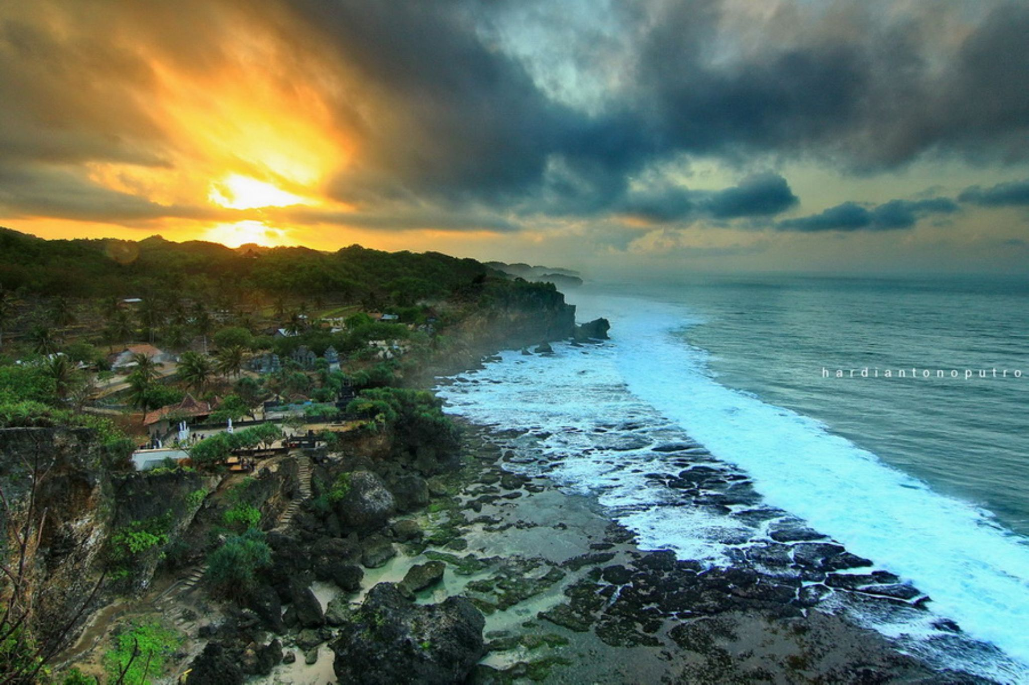 Ngobaran Beach by hardiantonoputro