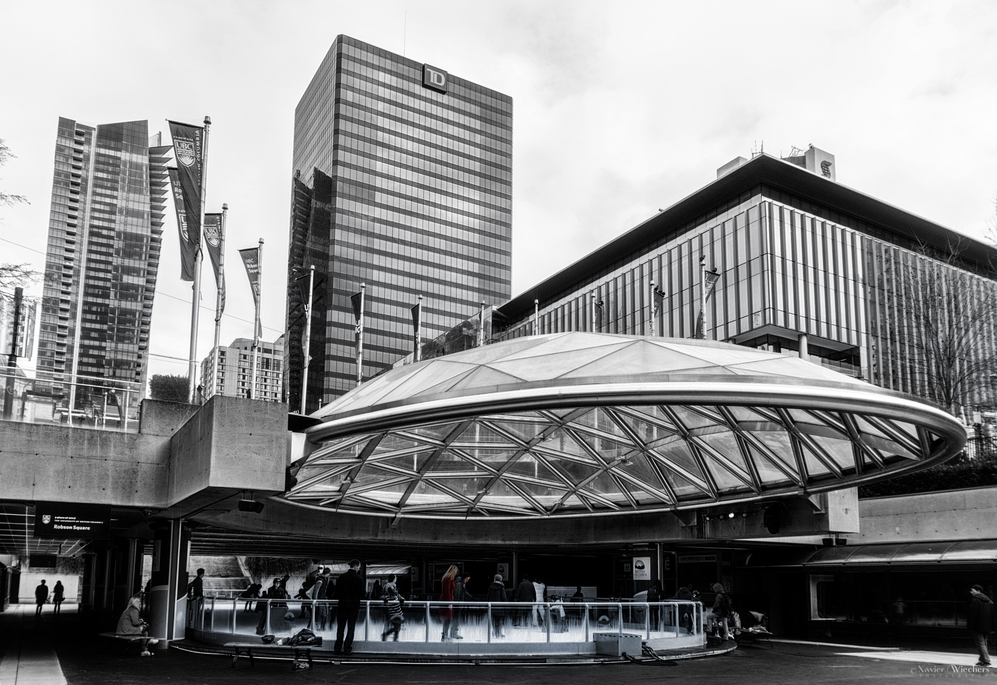 Robson Square Scating by xwiechers