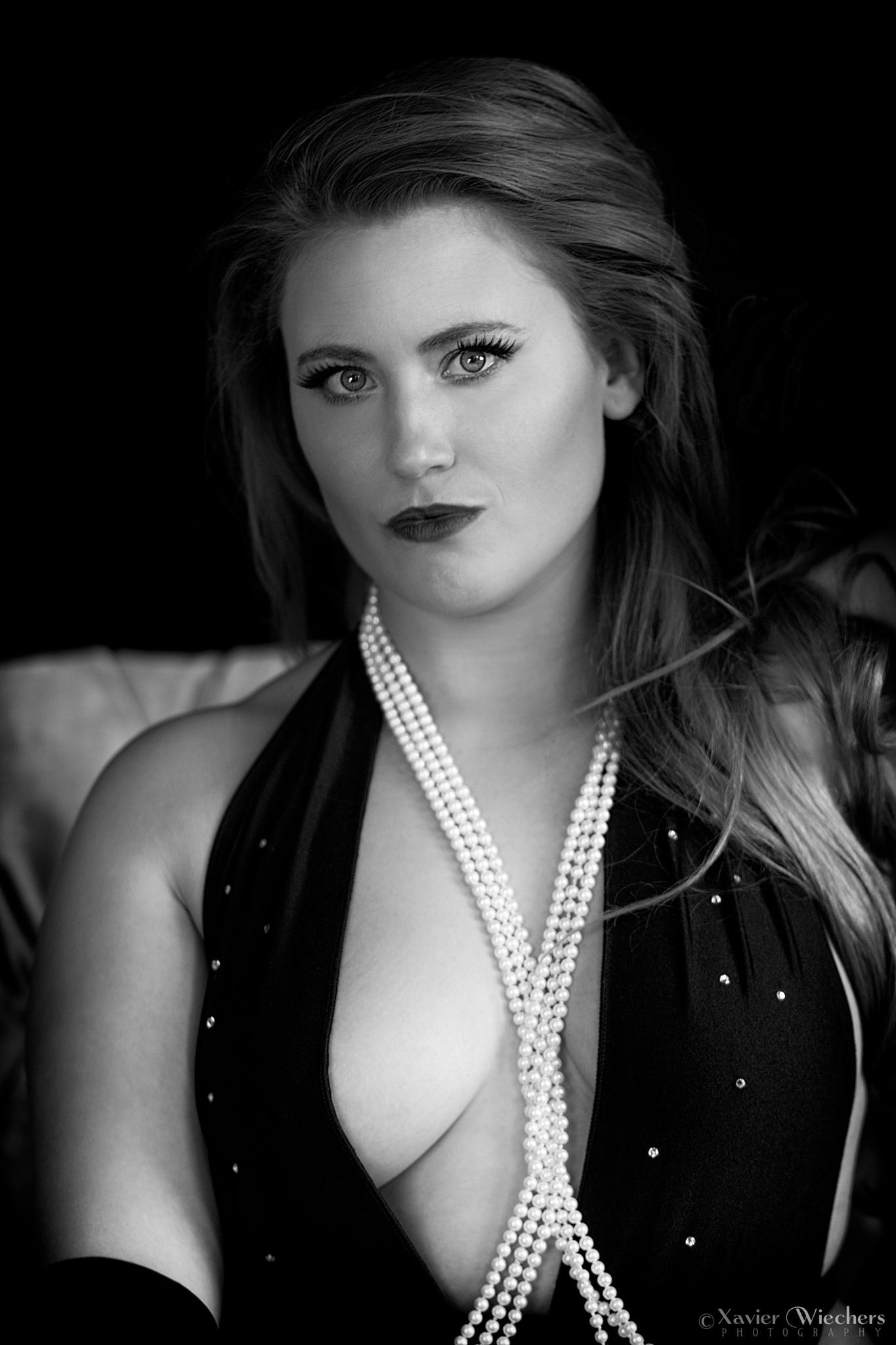 Caitty Lux - Film Noir I by xwiechers