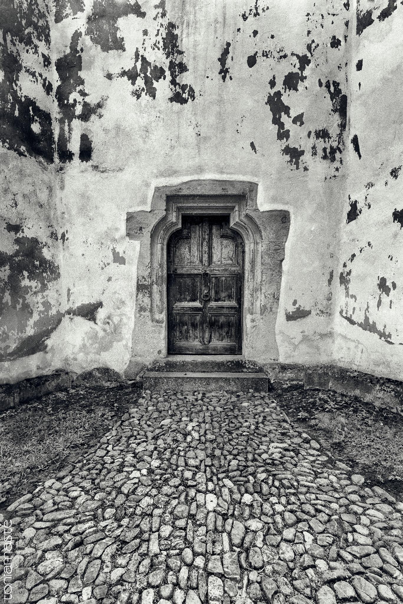 You Choose. Enter or Not.  by Toni Arnaste