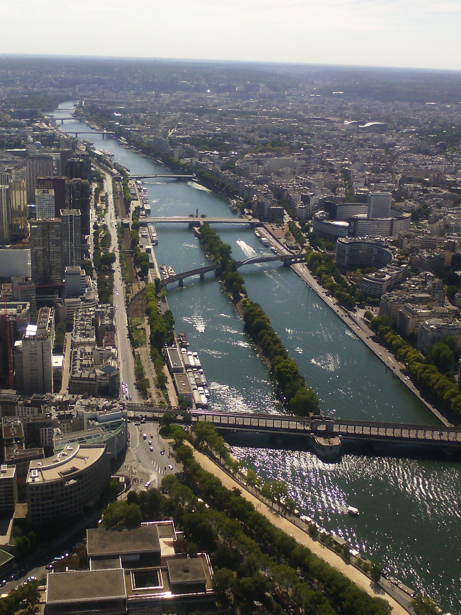 La Seine  by Ludivine Louemba