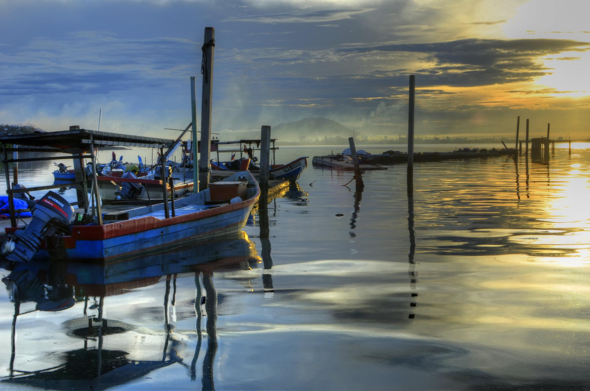 Morning light at Dove Jetty by davidngsh