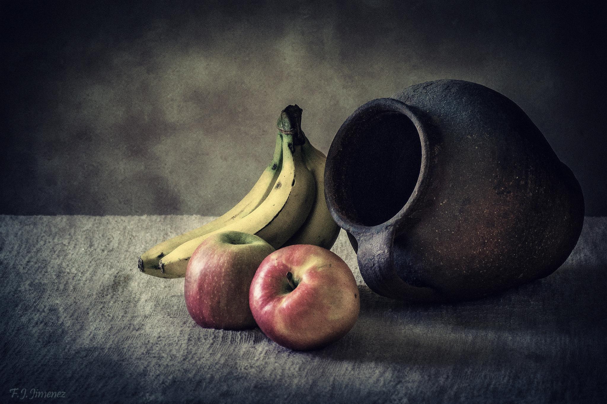 Manzanas y platanos by JACRIS