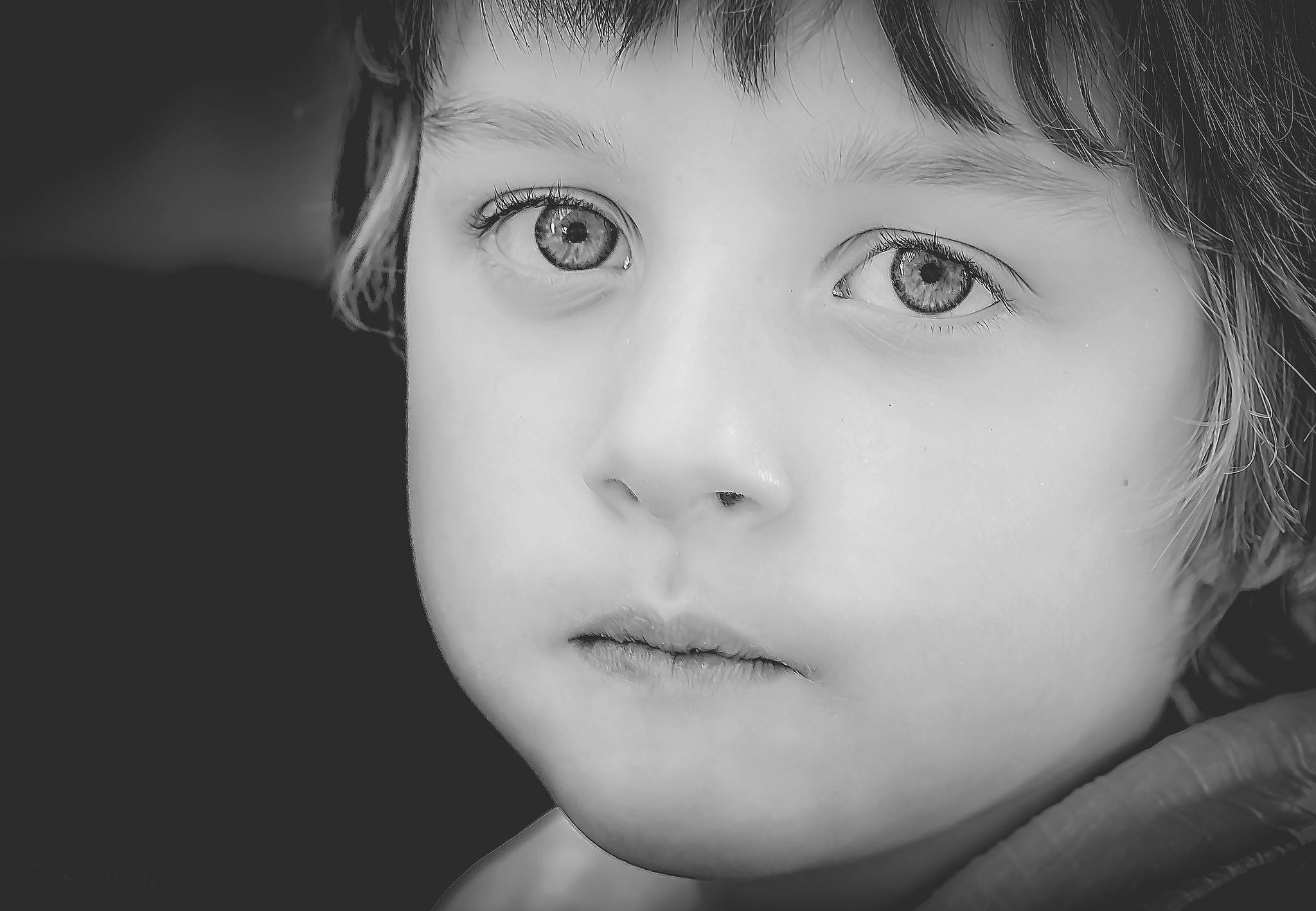La inocencia de una mirada by JACRIS