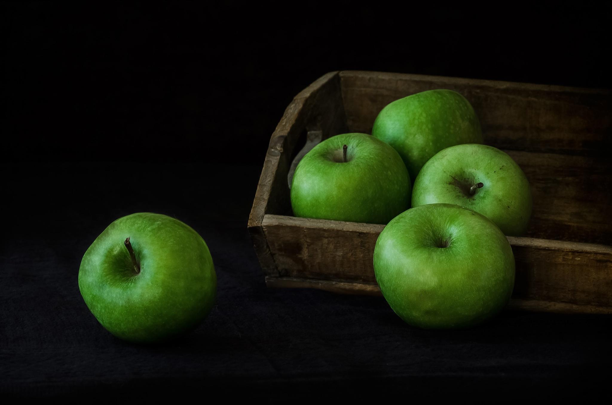 Manzanas... by JACRIS