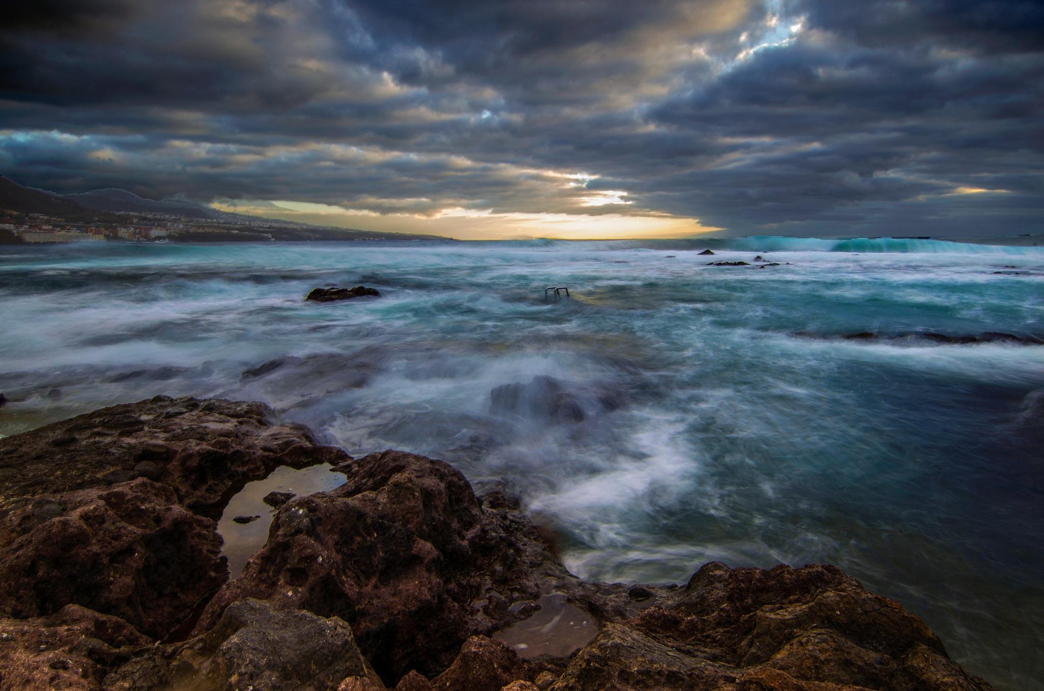 Roca, mar y cielo... by JACRIS