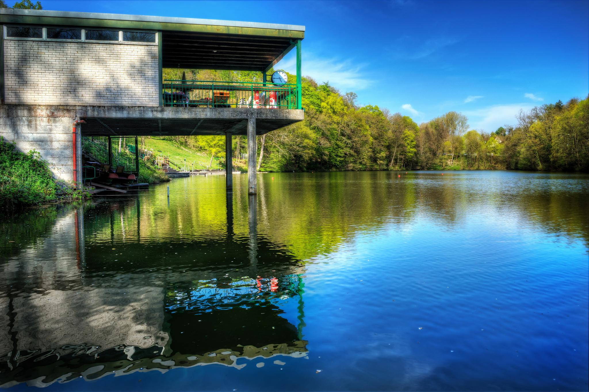 Tiefer See by Oliver Penack