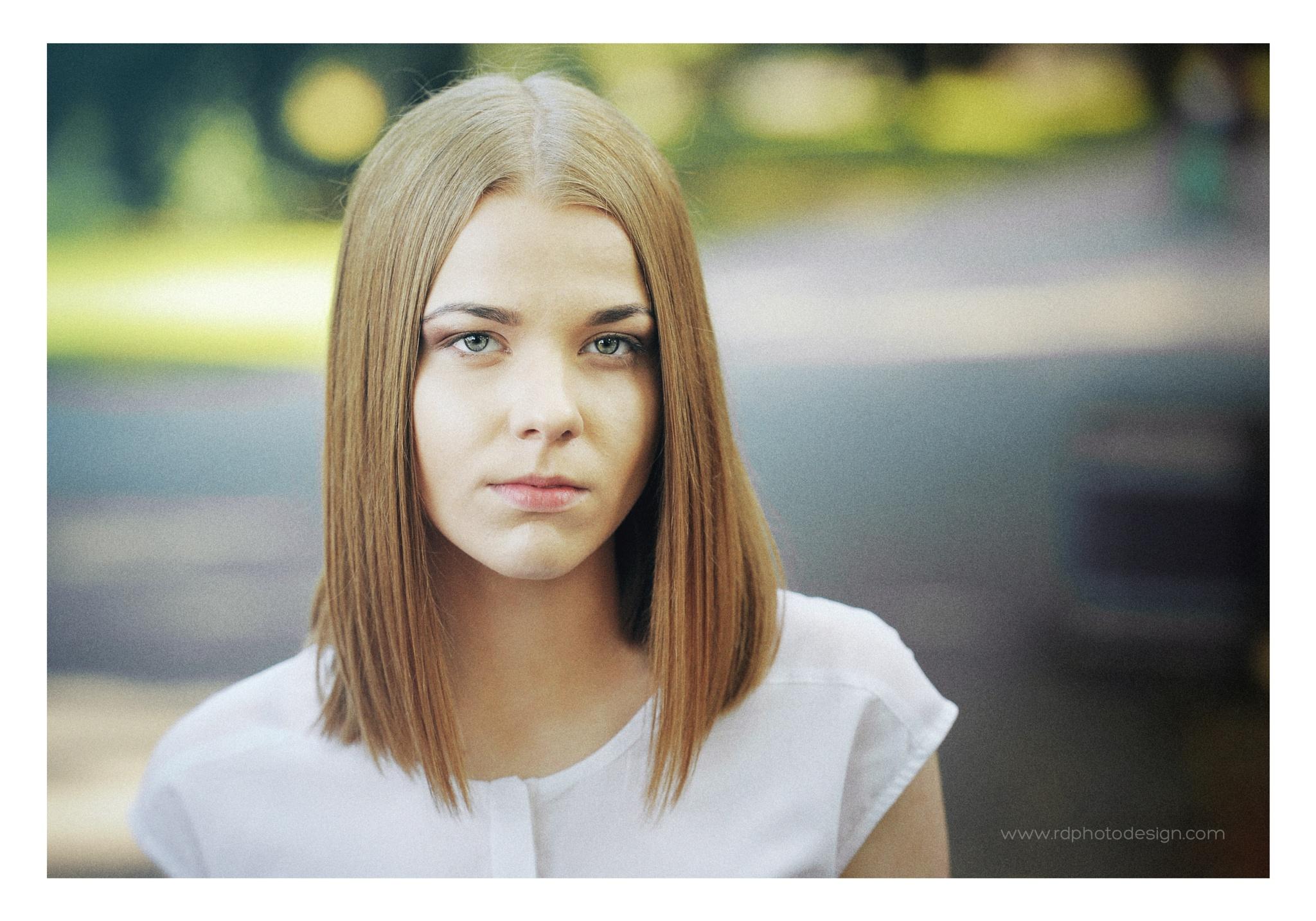 Pretty teenage girl by RDphotodesign
