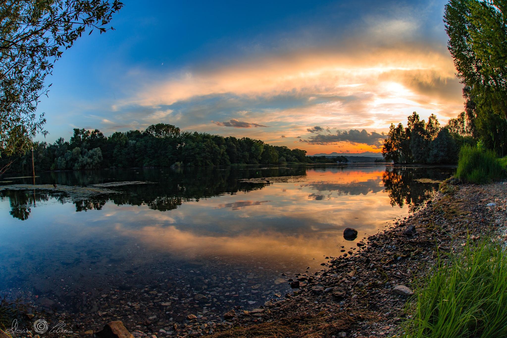 Sunset colors by Alessio Coluccio