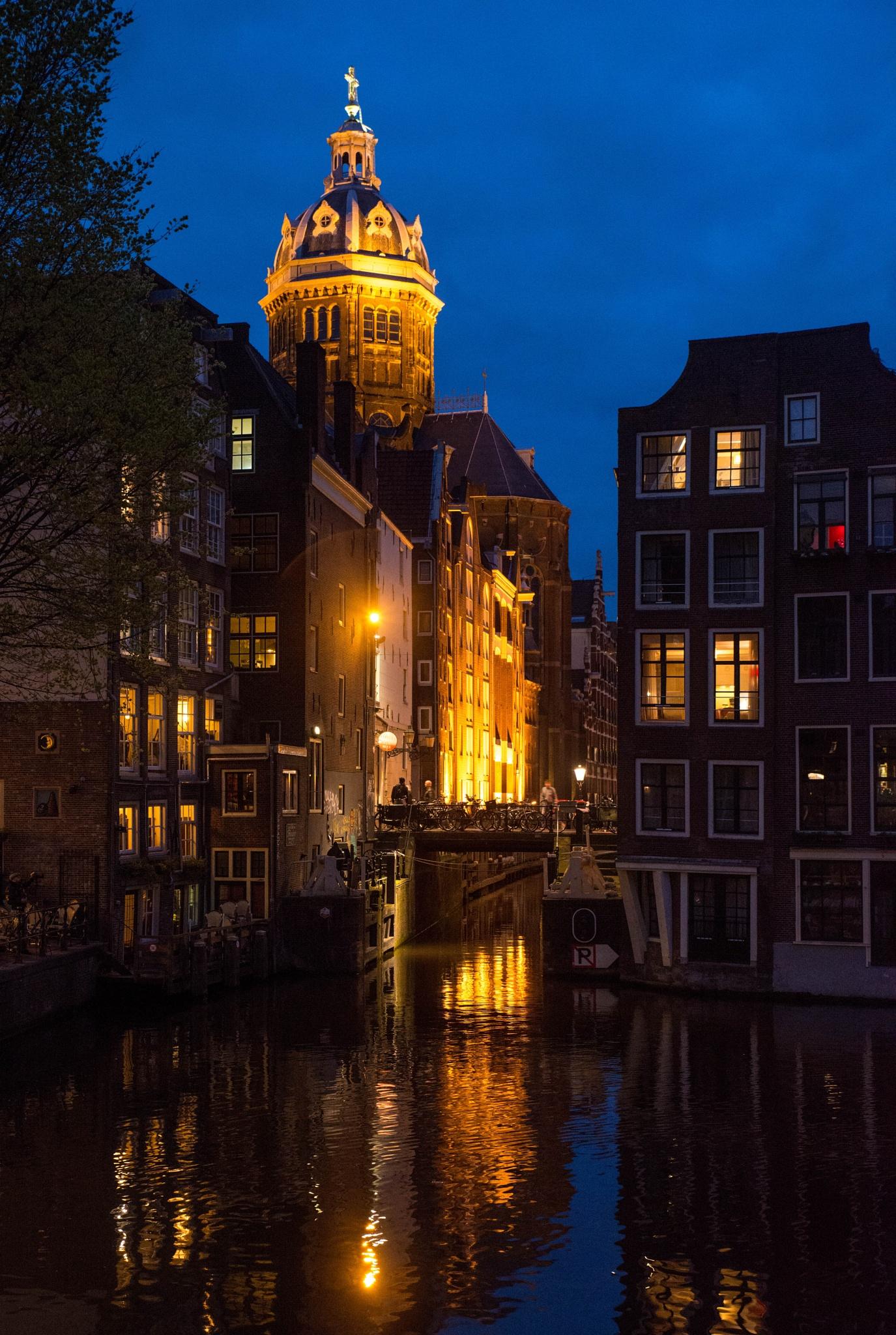 Amsterdam at night by David Guo