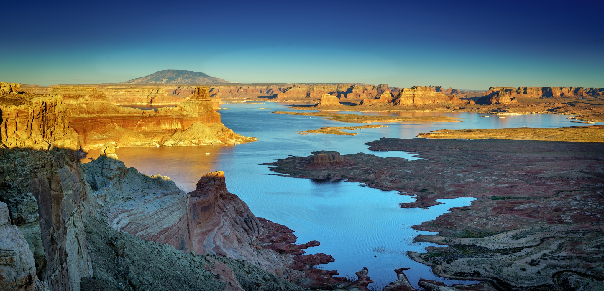 view of gunsight in Lake Powell from Astrom Point by David Guo