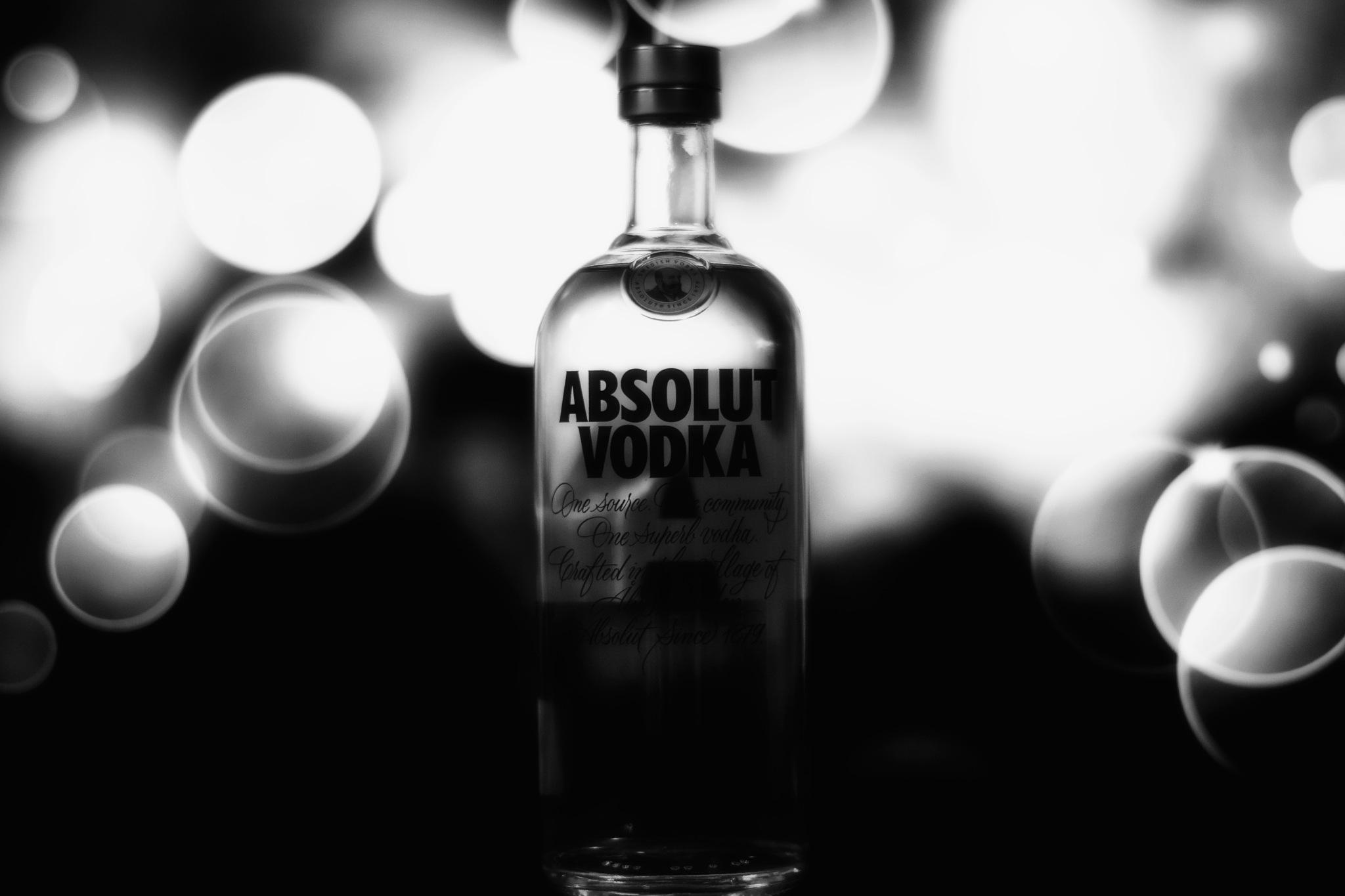 ABSOLUT Vodka by Joao Vanzzo