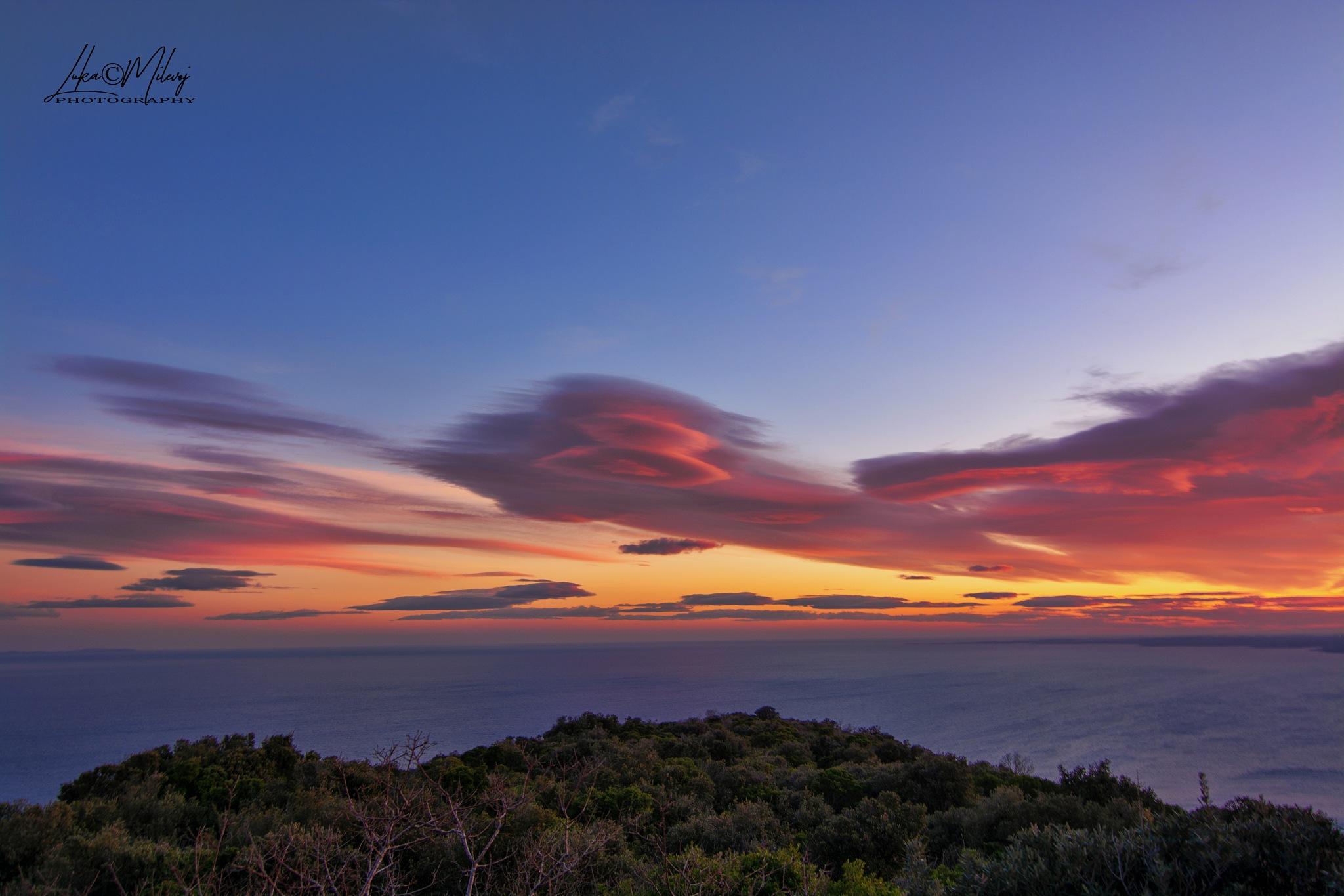 Amazing sunset by Luka Milevoj