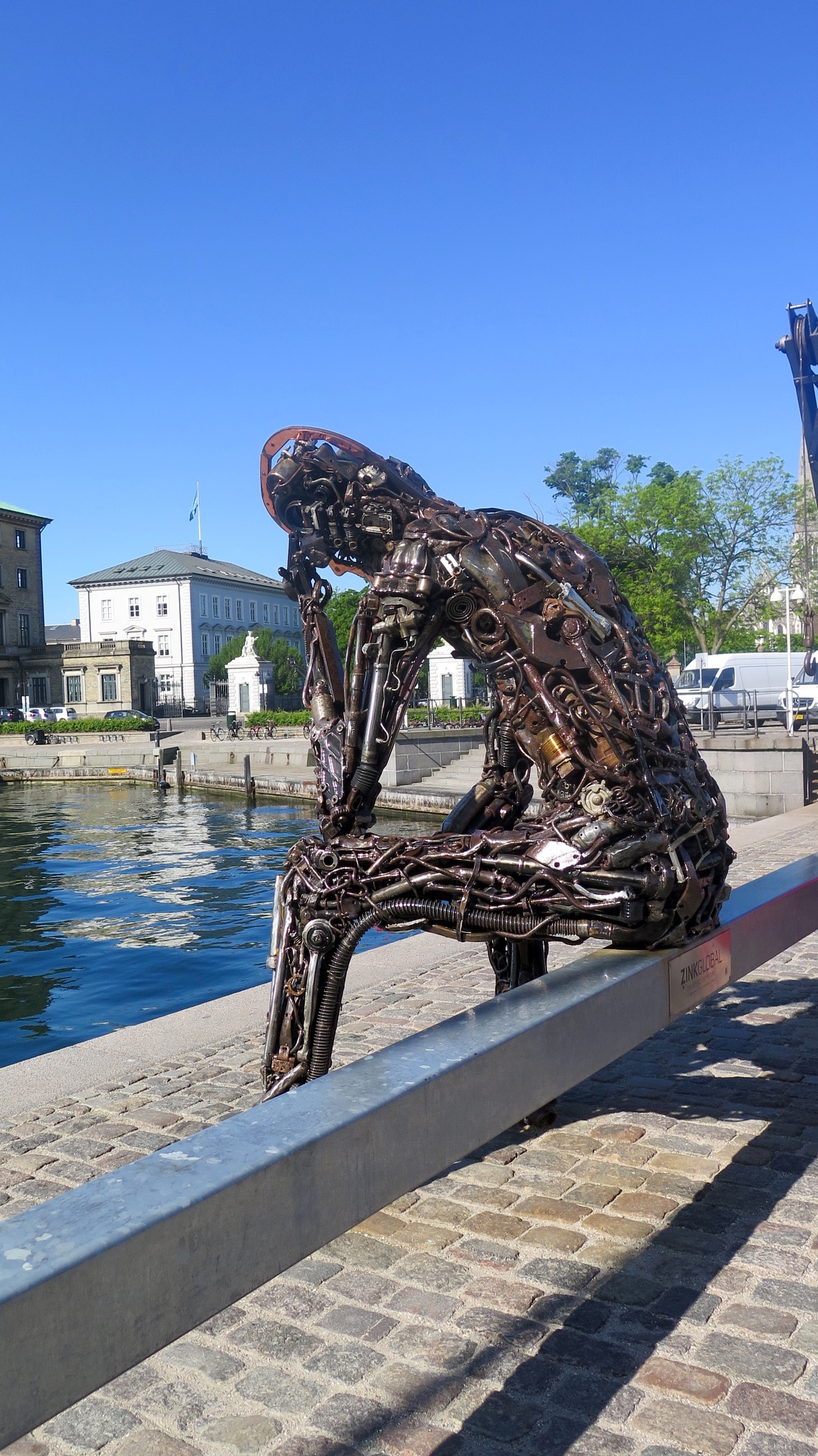 The thinker in nuts and bolts by Terry Reynolds