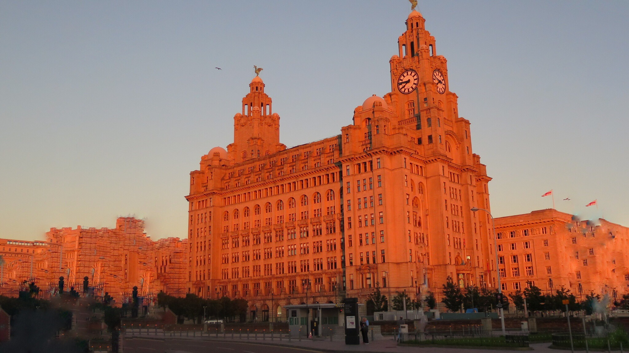 the liver Buildings Liverpool by Terry Reynolds
