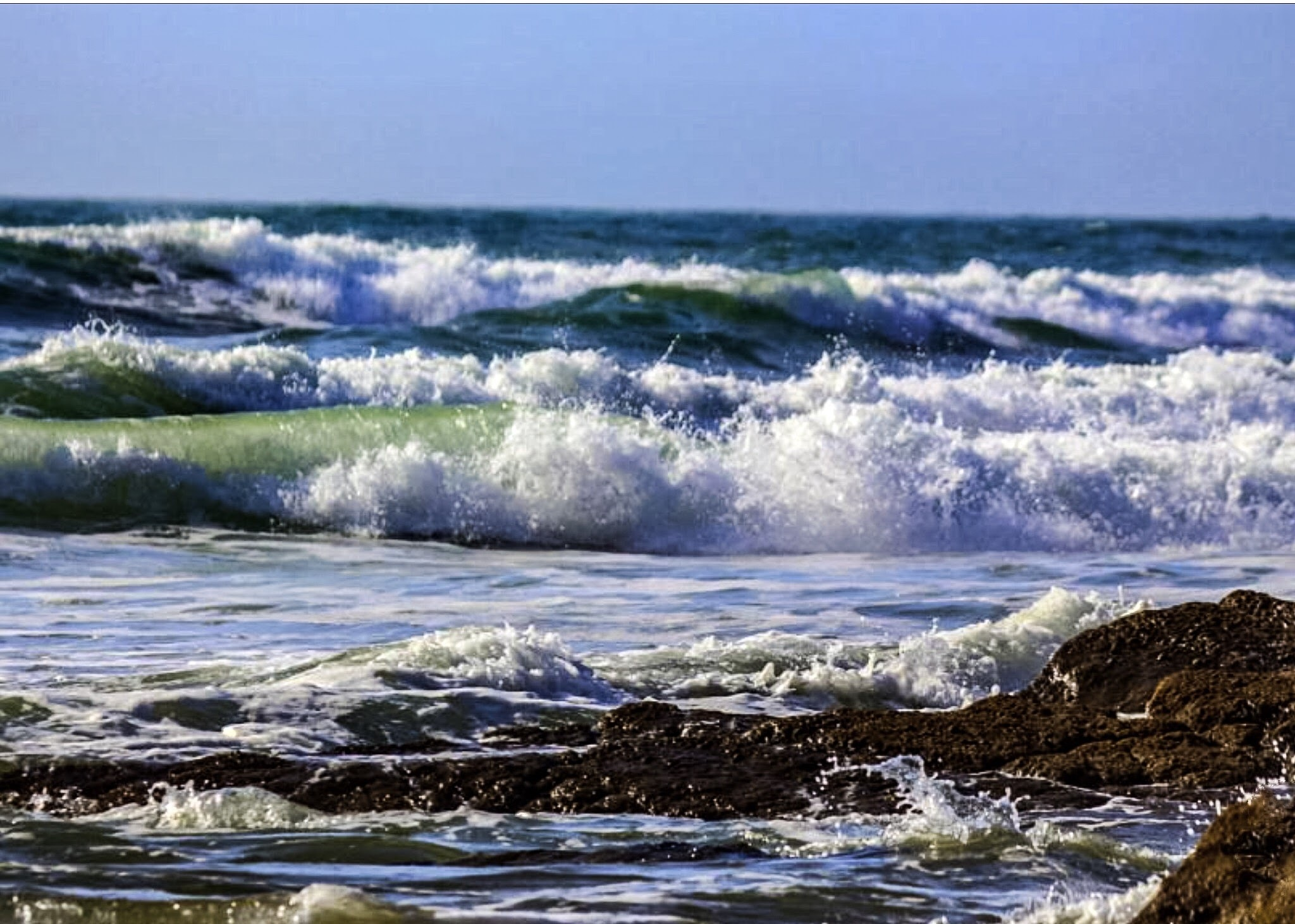 Rolling waves  by Terry Reynolds