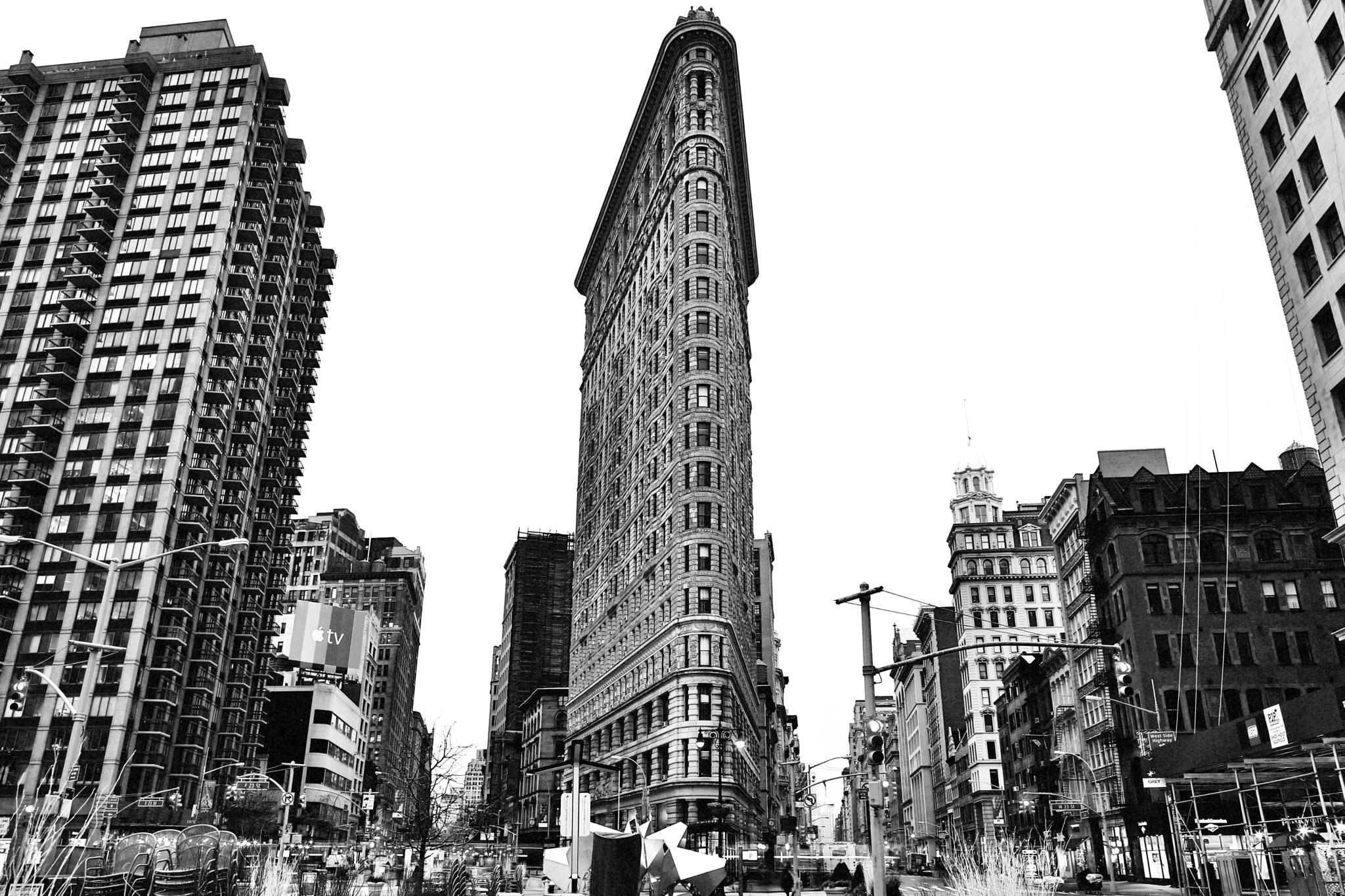 Flatiron Building by visbimmer79