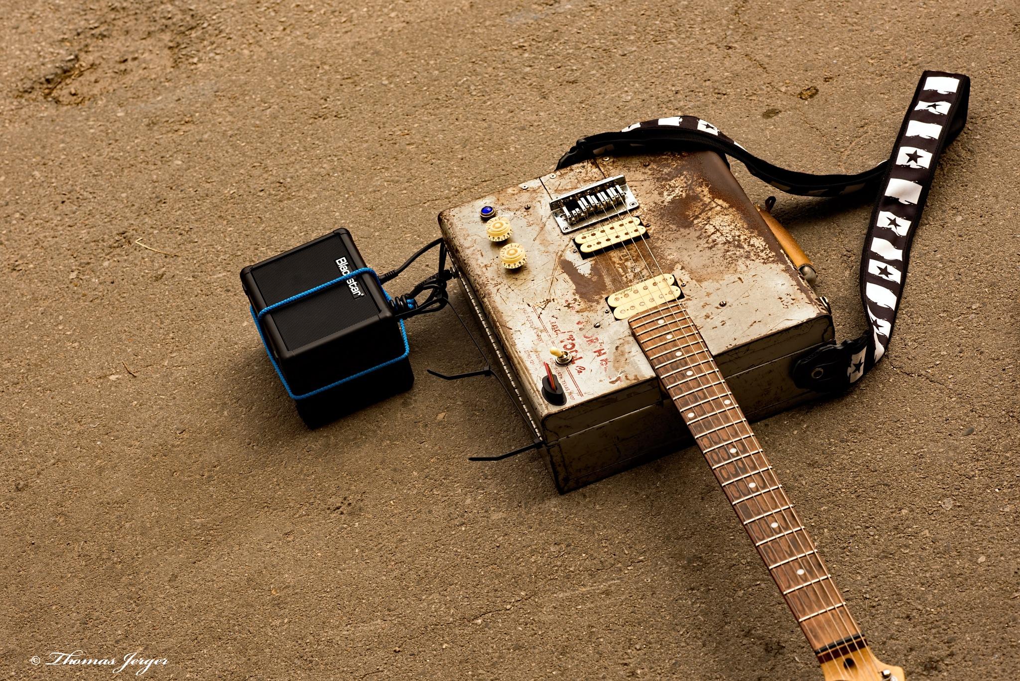 Junk Music Guitar  by ThomasJerger