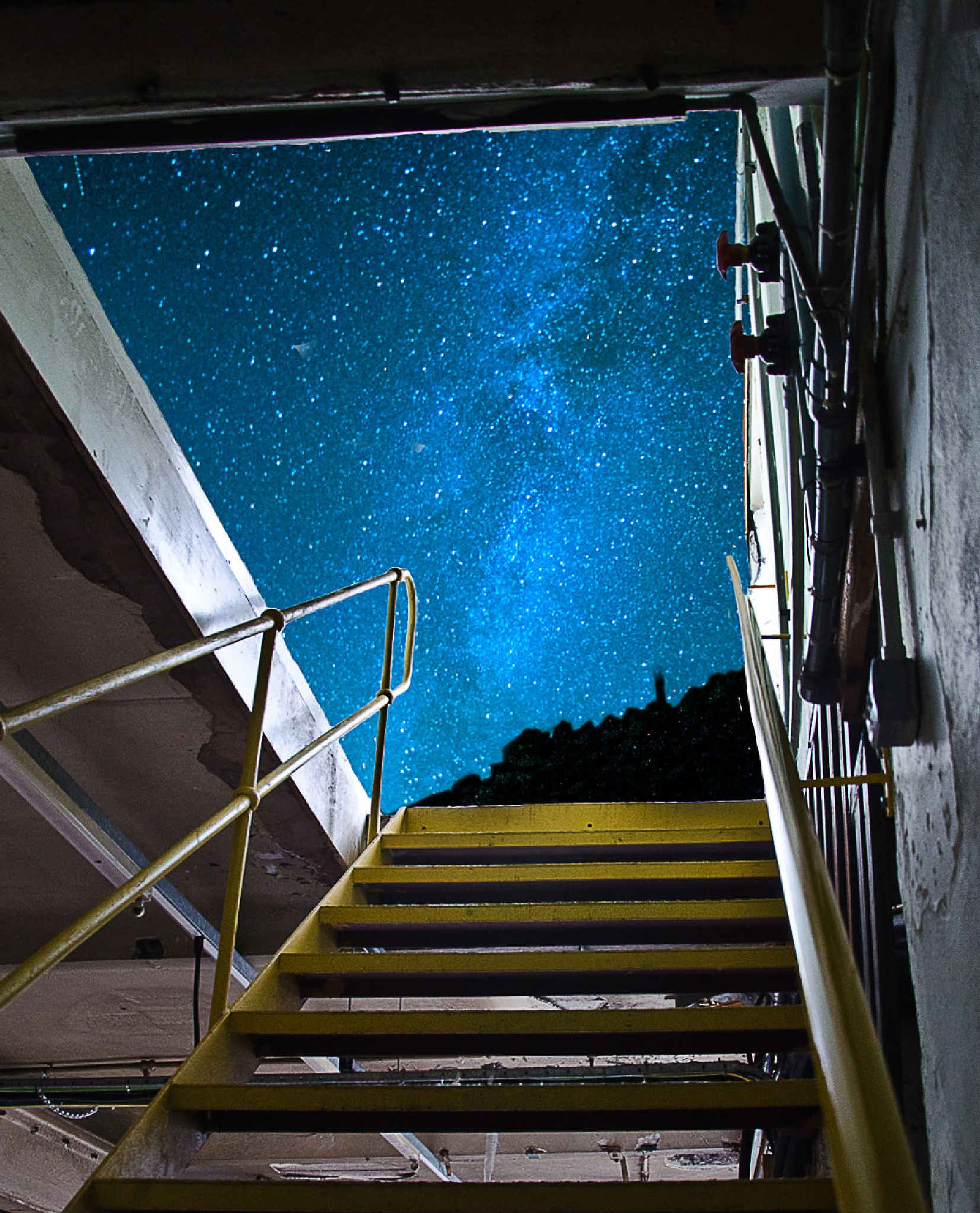 Stars above the trap door by MrBpix