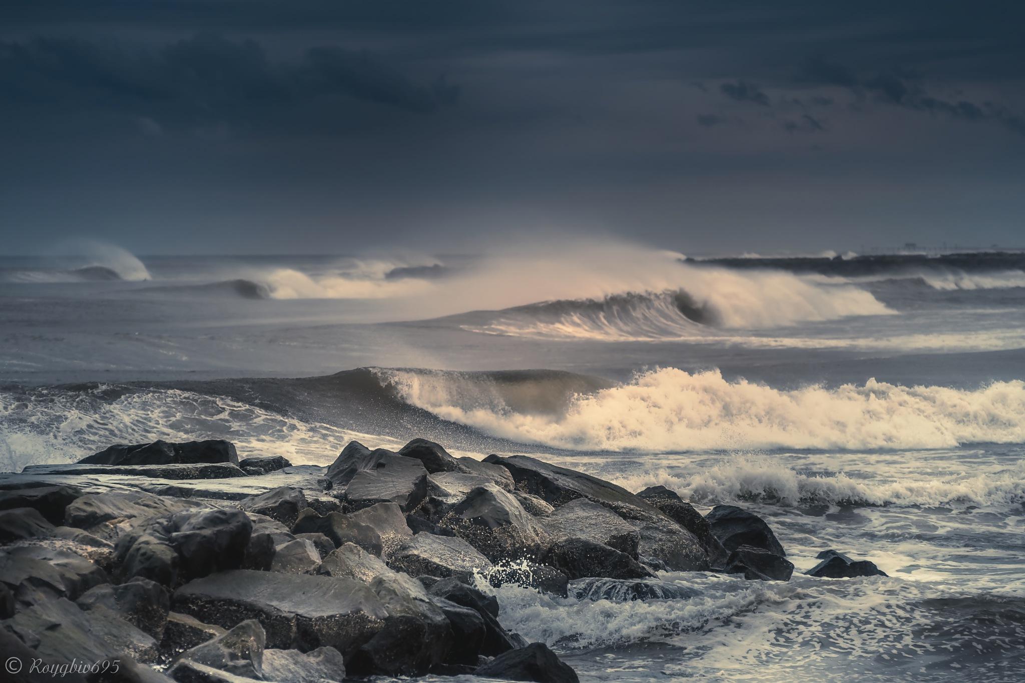 Winter beach by Roygbiv695