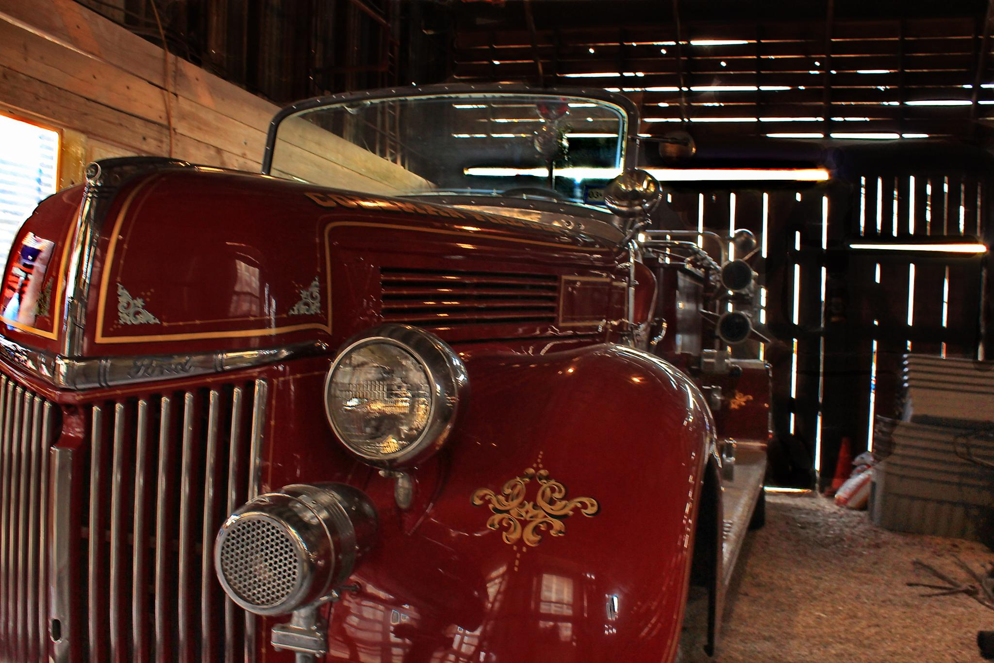 Old Tyme Firetruck by Donna Childres