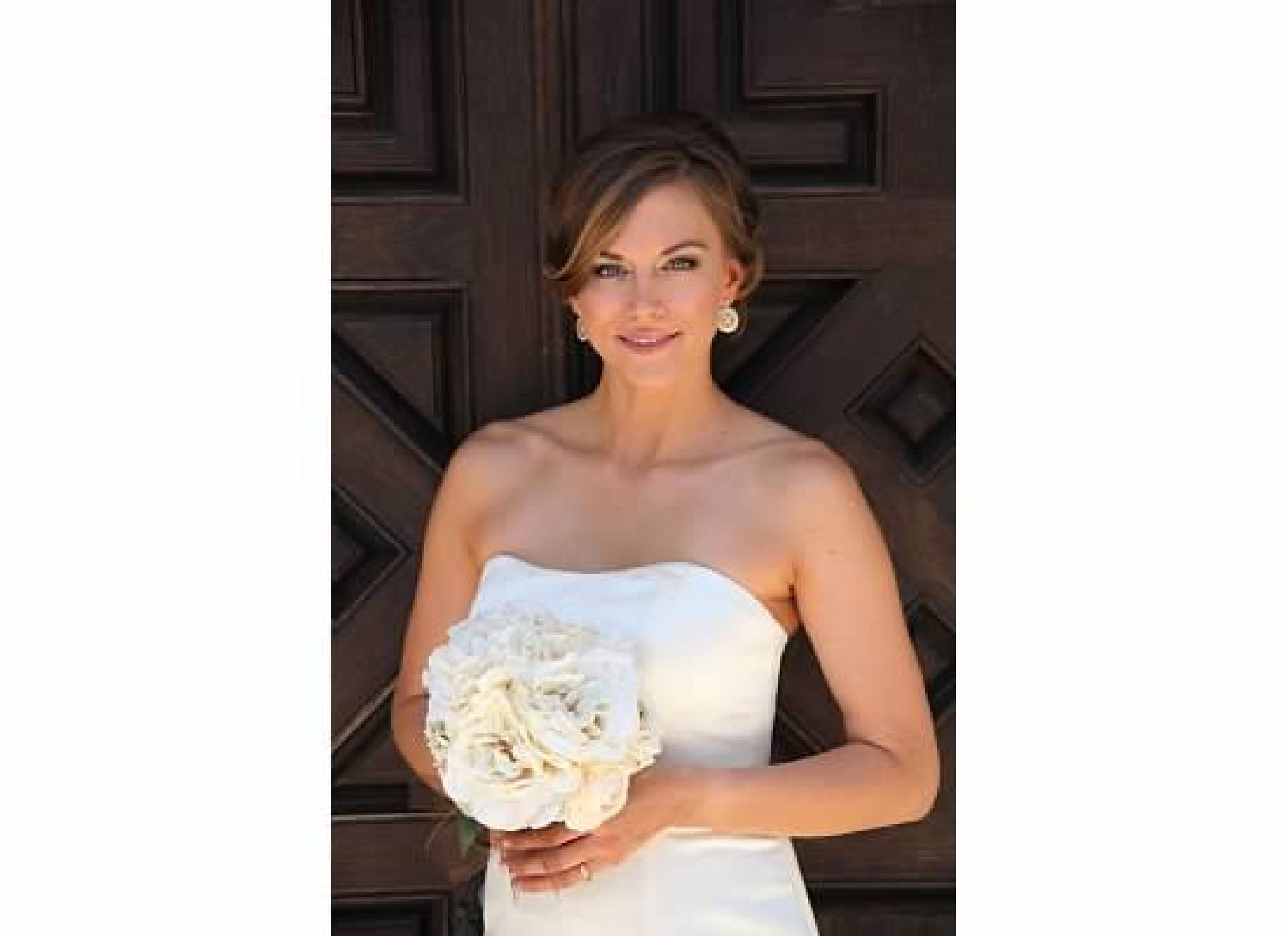 Bride by fotogeebee