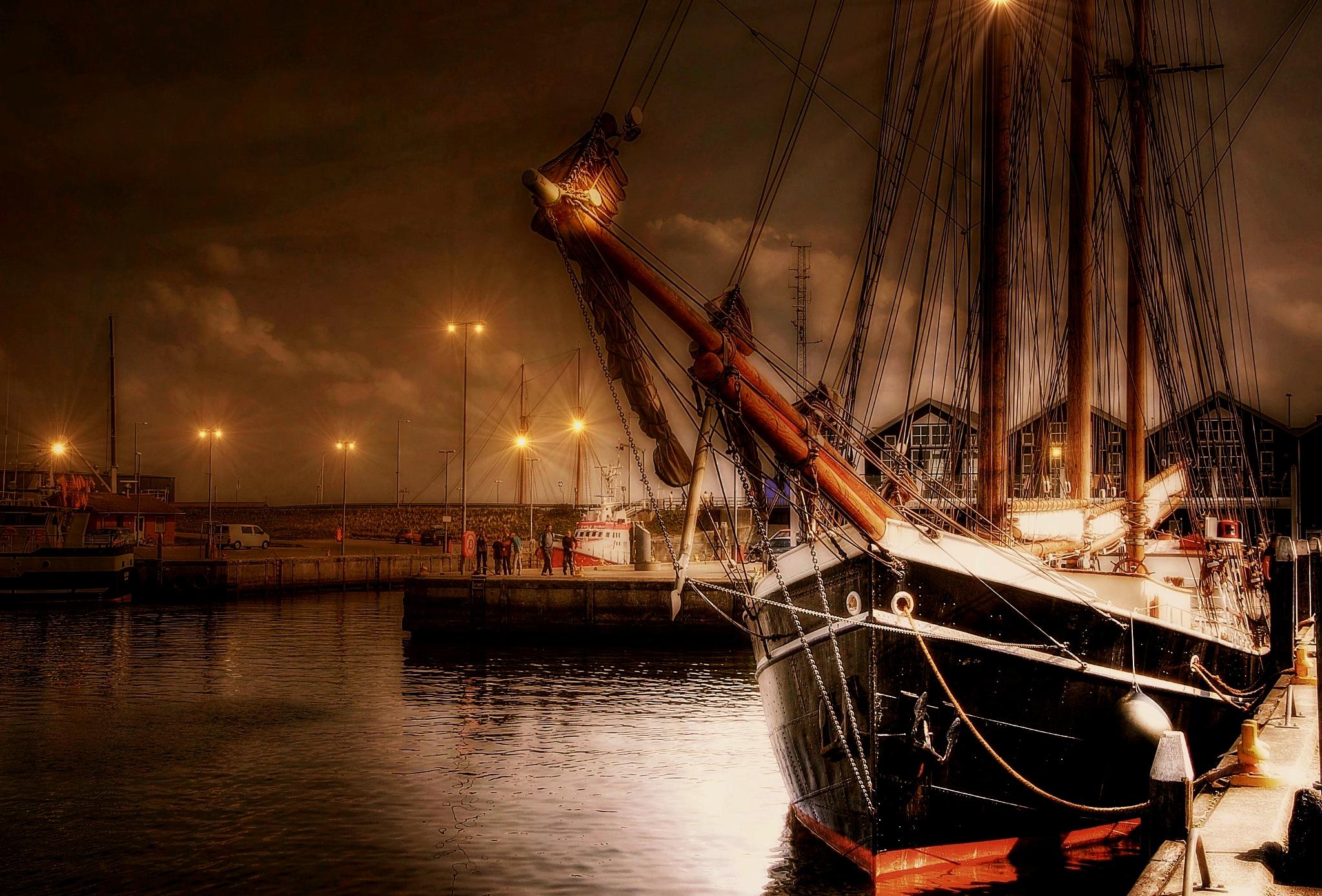 lamplight by kordi
