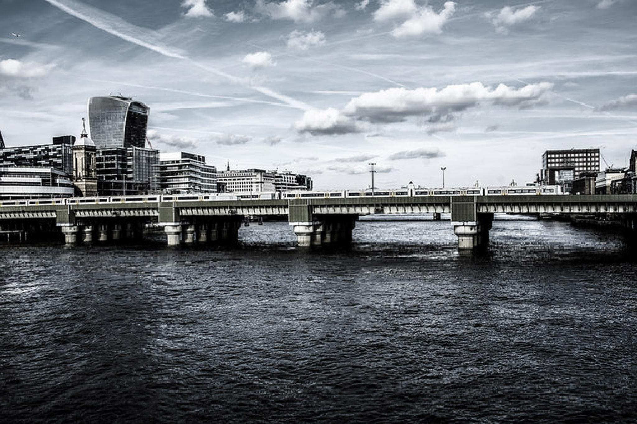 Cityscape London by conceptualurburn
