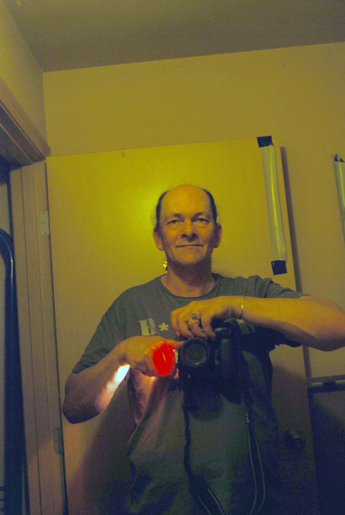 hi my name is Paul I am 54 widower.. by Paul Tetloff