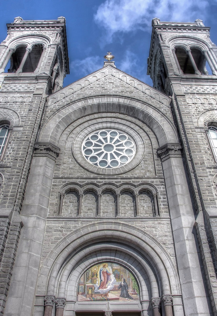 St Sacrement church by MadeleineGuenette