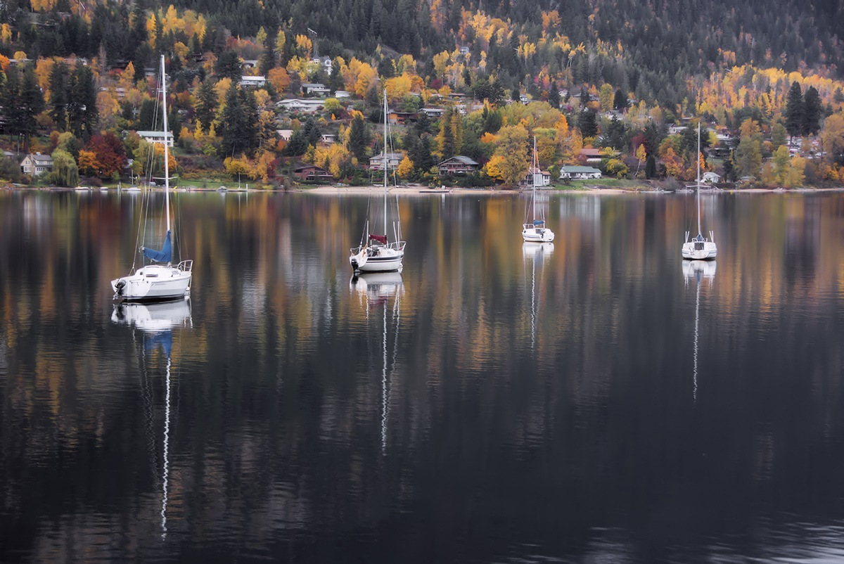Fall on the lake by MadeleineGuenette