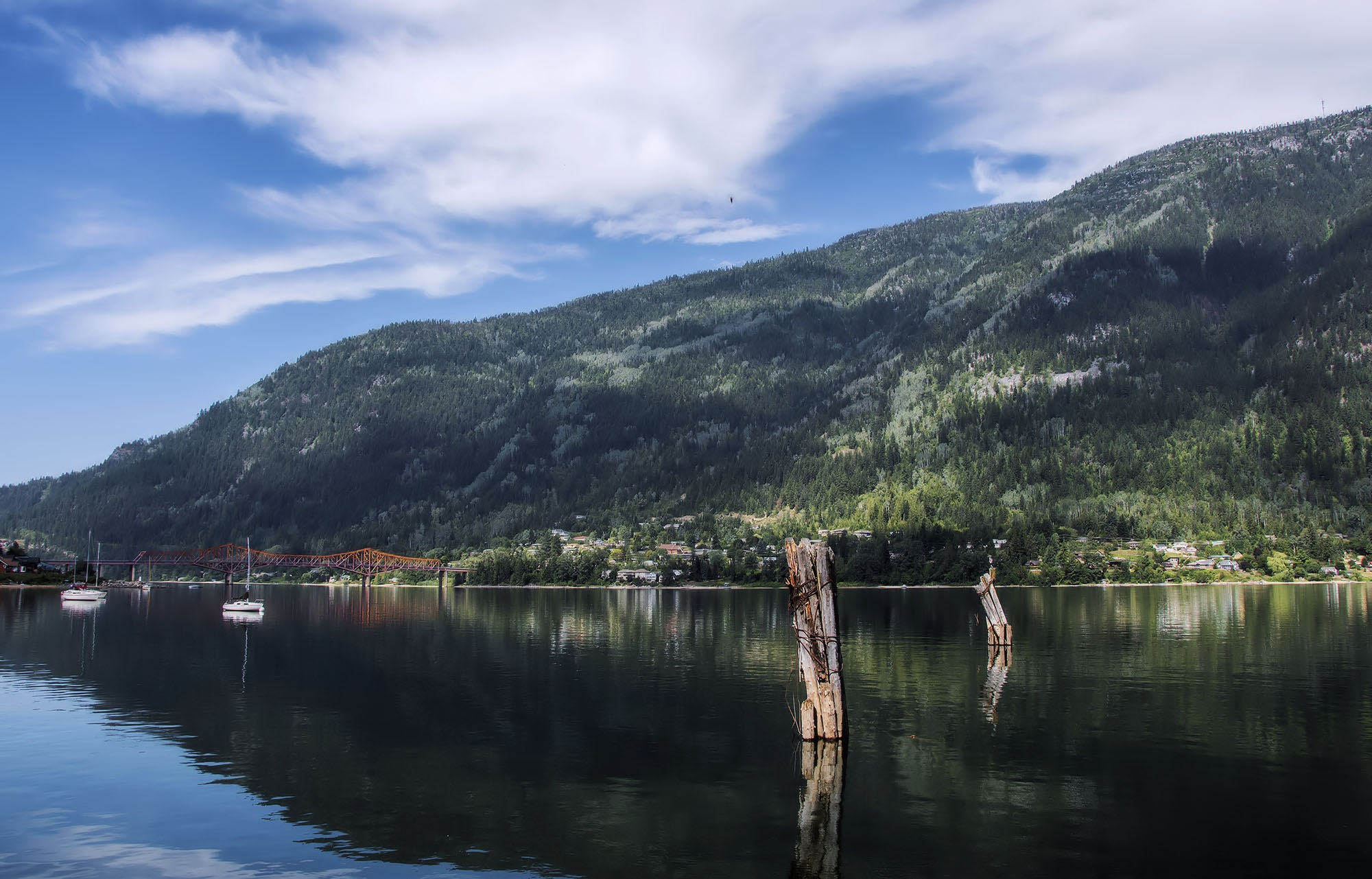Kootenay lake by MadeleineGuenette