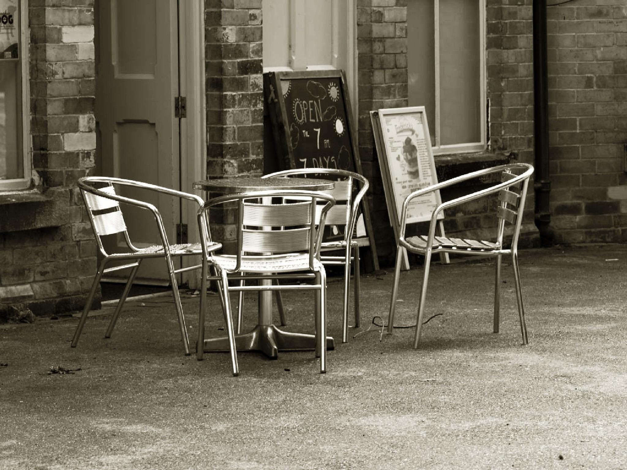Empty chairs by Happy Snapper
