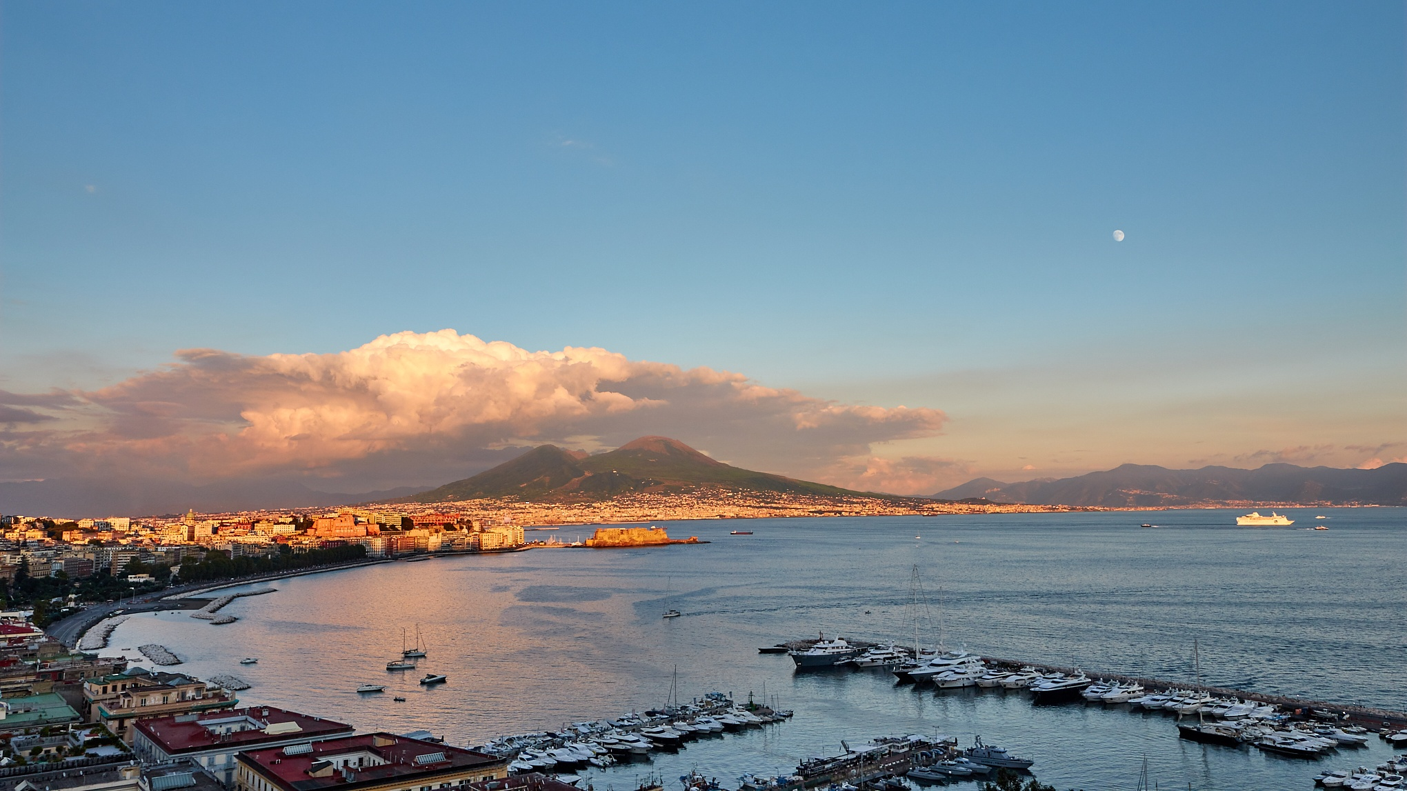 Napoli al tramonto by Gianni Russo