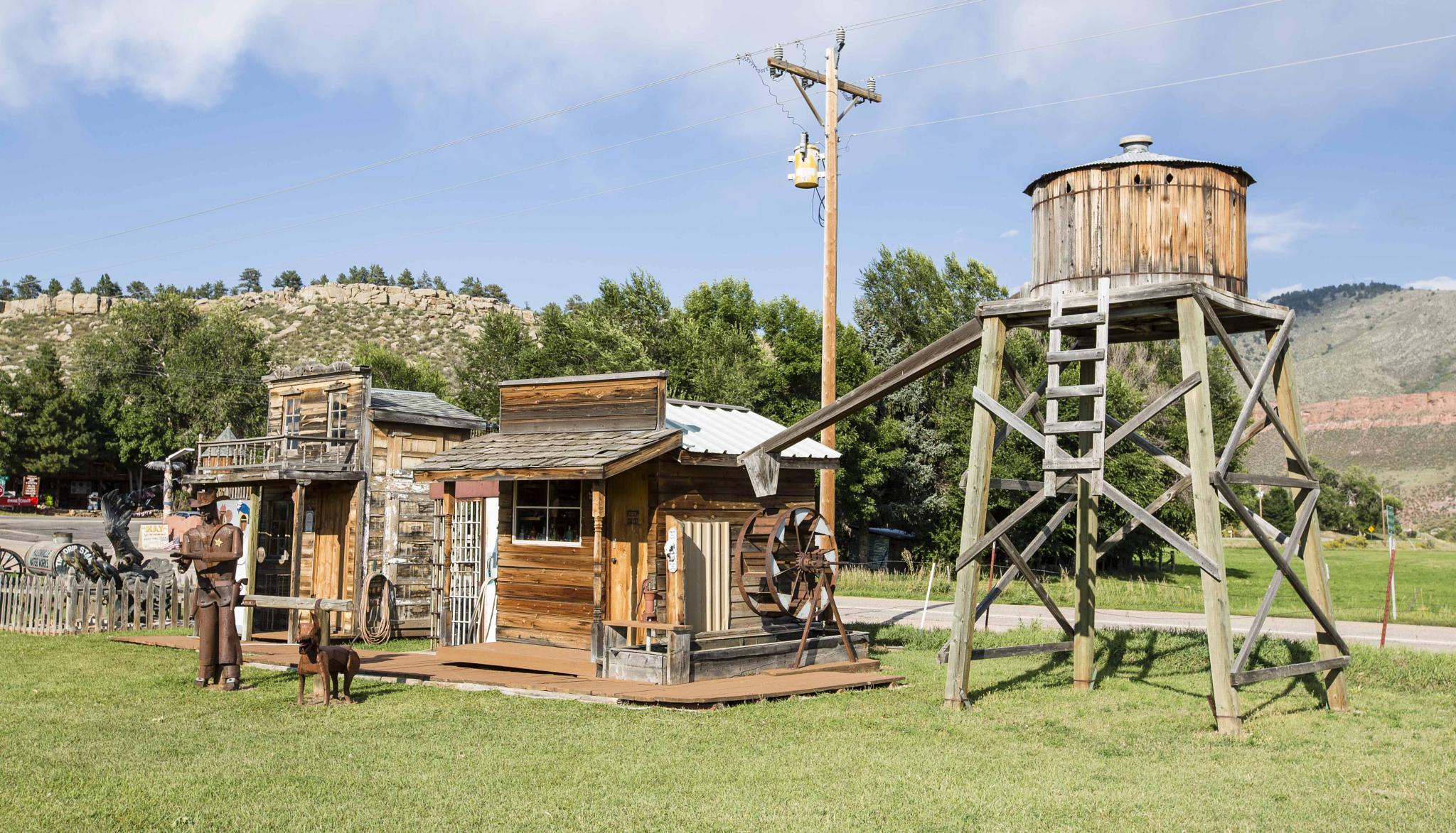 Masonville, Colorado, USA by lilian Lingwood