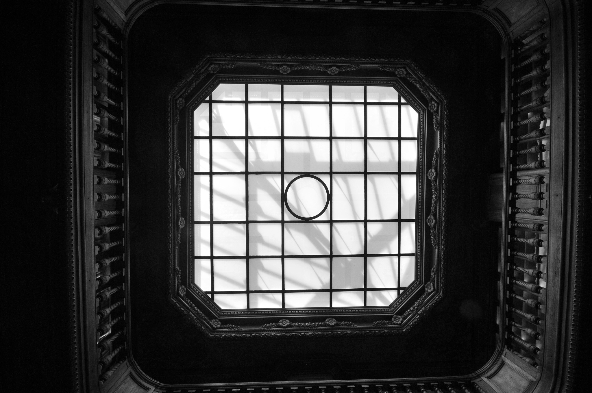 Looking up again... by JeanGregoireMarin