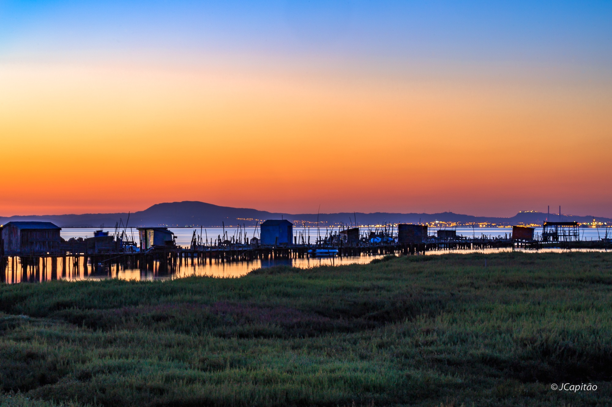 Carrasqueira after sunset by Joaquim Capitao