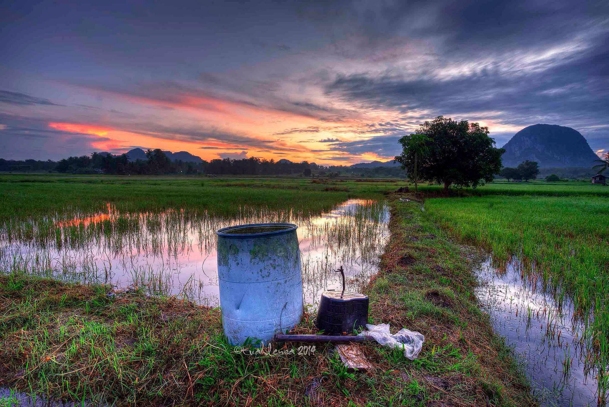 Glory morning by Tuahlensa Mki