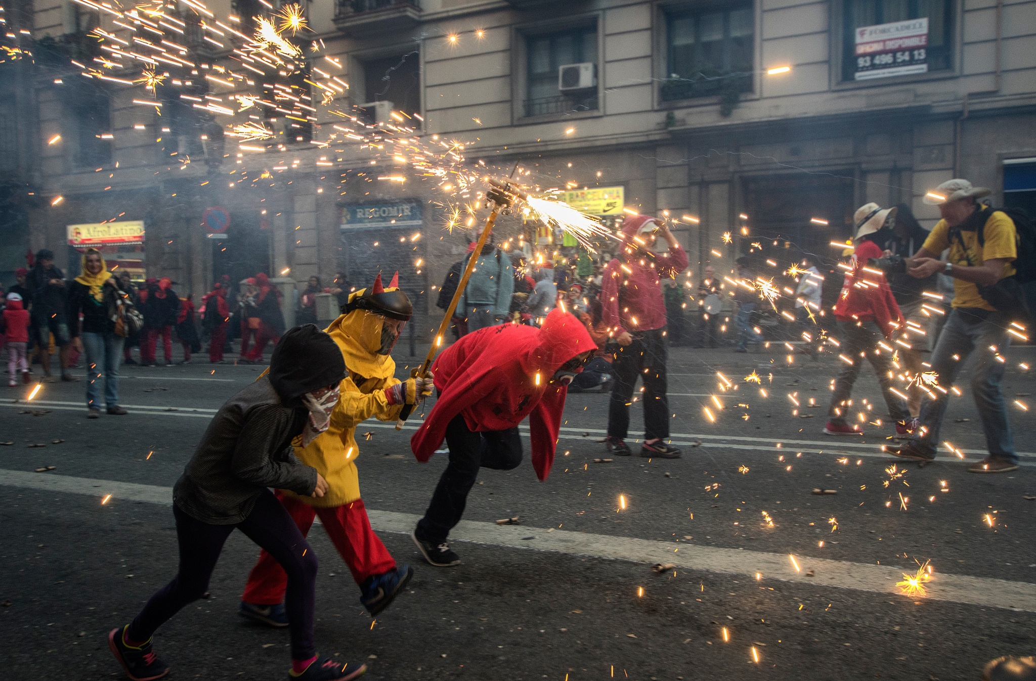 Correfoc by Mikipons